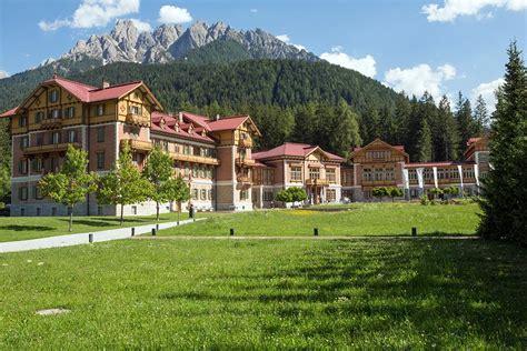 Kulturzentrum Centro Culturale • Grand Hotel Toblach Dobbiaco.
